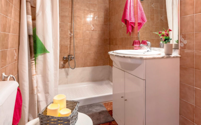 HOME STAGING BAÑO 1 SALOU